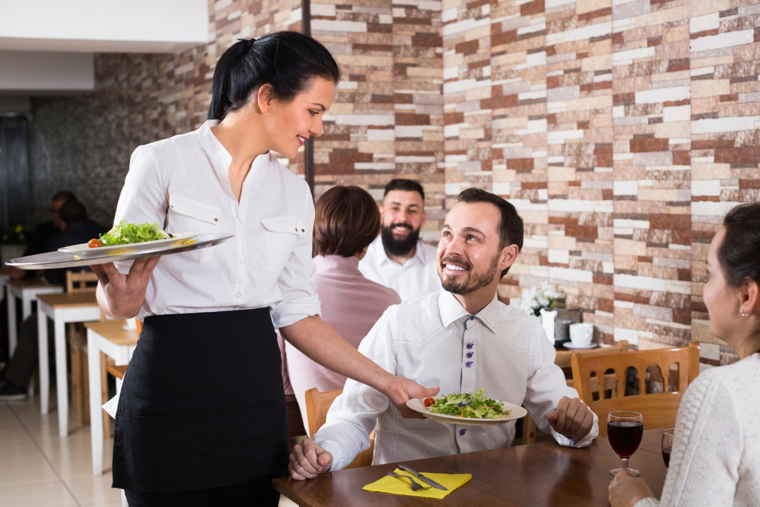 Helping Restaurants Navigate Workplace Injuries with Nurse Triage Services